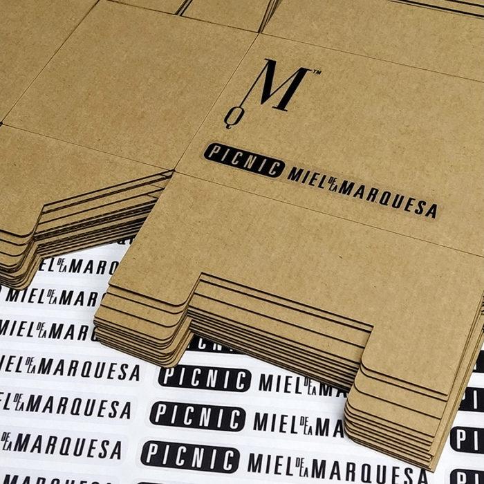 Gráfica y vinilos Cajas Picnic Miel de la Marquesa